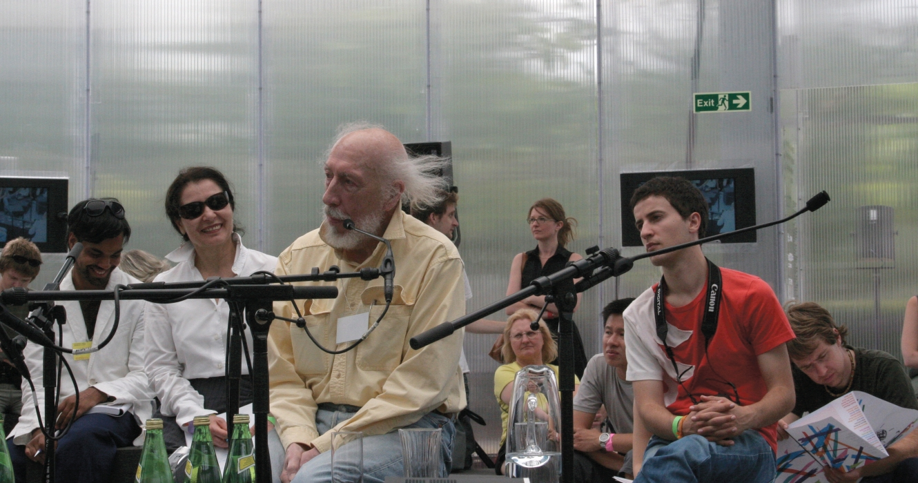Richard Hamilton At Rem Koolhaas's Serpentine Gallery Pavilion, Photography By &&&